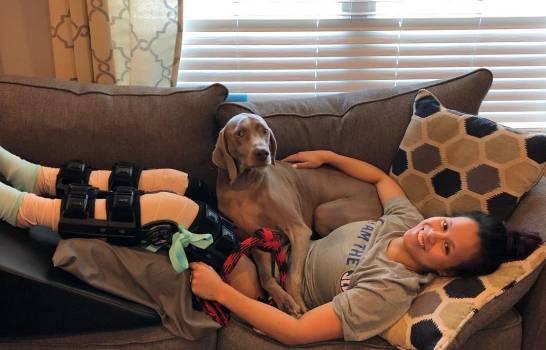 Atleta que se rompió la dos piernas se retira de la gimnasia