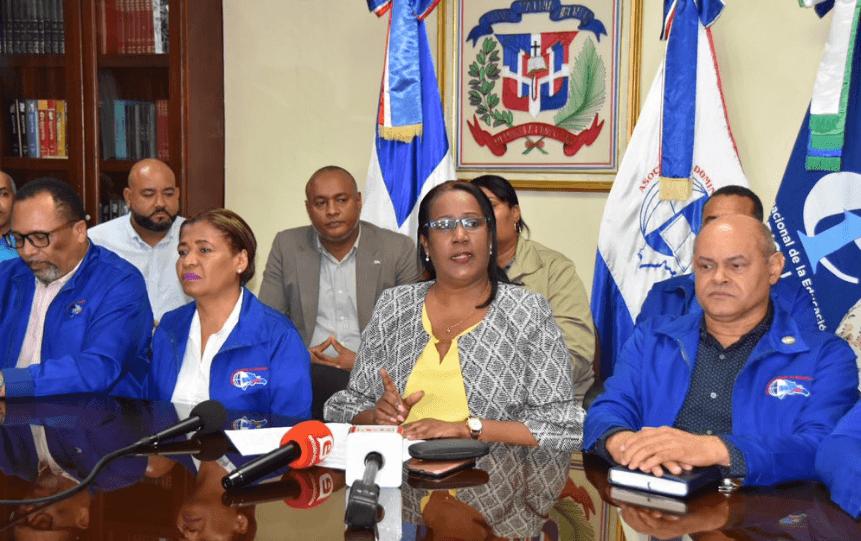 Cientos protestan en regionales por concurso oposición docente