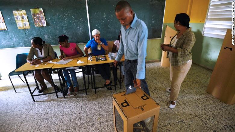 Este domingo ganará la guerra el equipo electoral que lleve más gente a votar