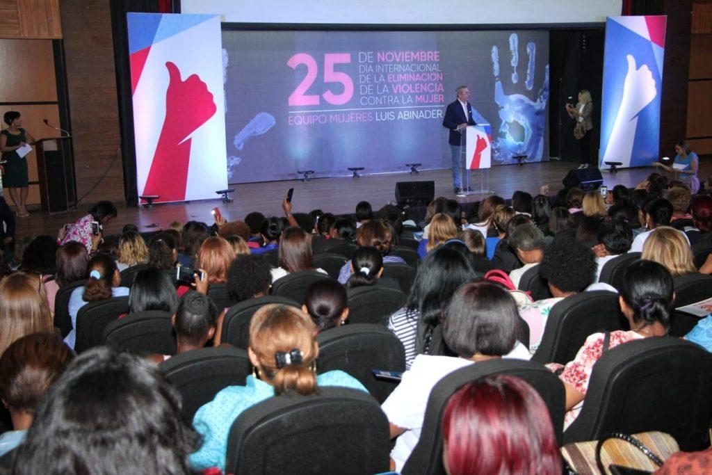 Abinader propone 10 medidas para detener violencia contra la mujer