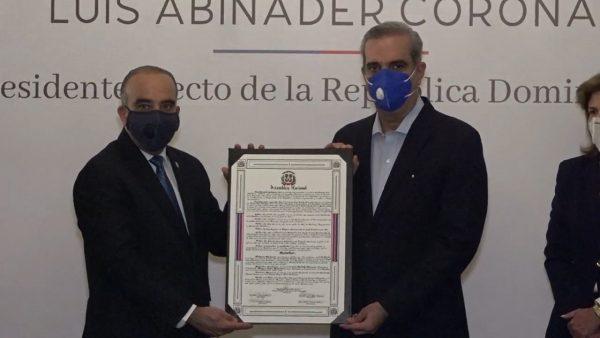 Abinader visitará representativos del país en procura de consenso para hacer frente a crisis de salud, económica y social