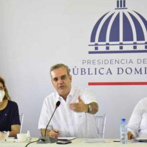 Presidente Abinader realiza encuentro con juntas de vecinos de Santo Domingo Norte