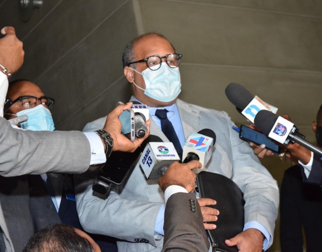 El Estado Dominicano interpone querella penal contra implicados por estafa en las EDEs por más de RD$ 20,000 millones.